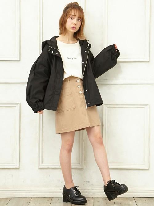 ボリュームアウター×ミニタイトスカート