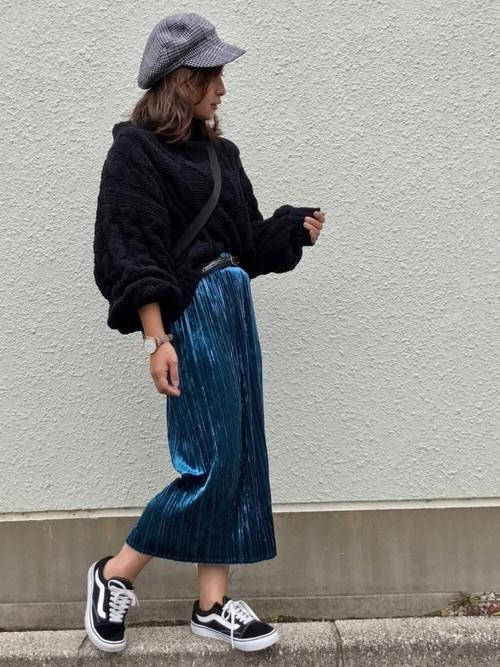 GUクラッシュベロアスカートを使ったベルベットスカートコーデ