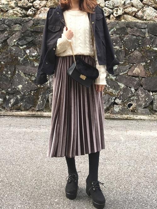 GRLベロアプリーツスカートを使ったベルベットスカートコーデ