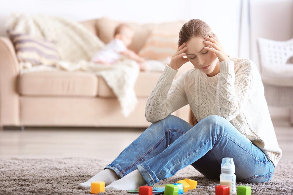 家事や育児で疲れている女性