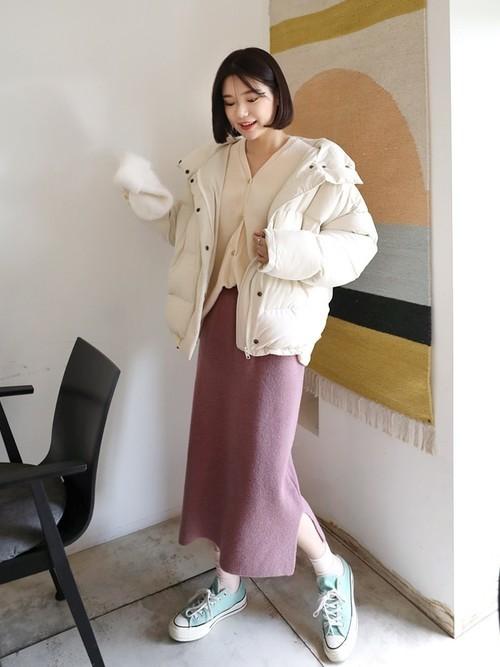 くすみピンクのスカートの冬コーデ