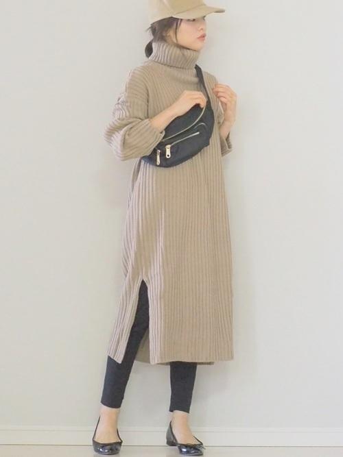 ニットワンピを使った12月の服装