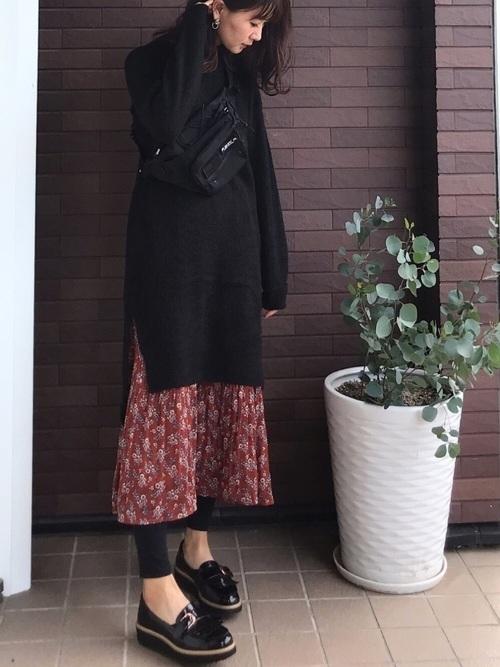 フレアスカートを使った12月の服装