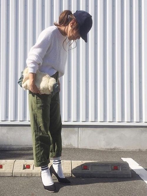 パンプス×靴下のおすすめコーデ