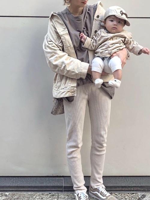 春におすすめの乳児ママコーデ