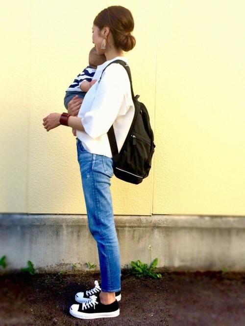 乳児ママにおすすめのリュックを使った春コーデ