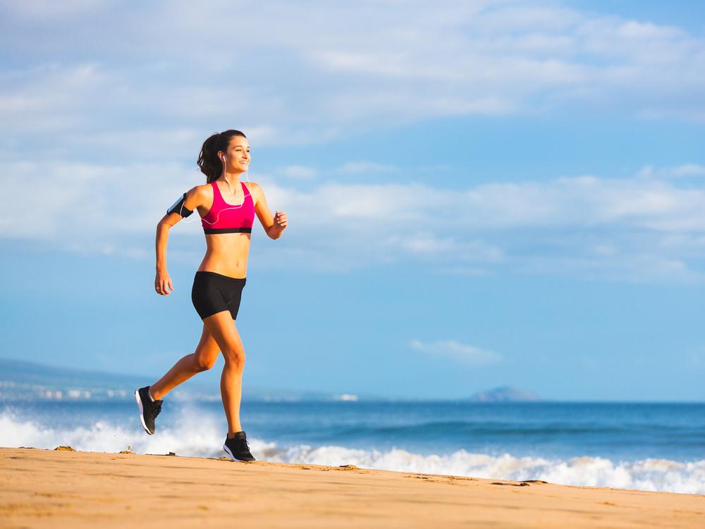 ジョギングをしている女性