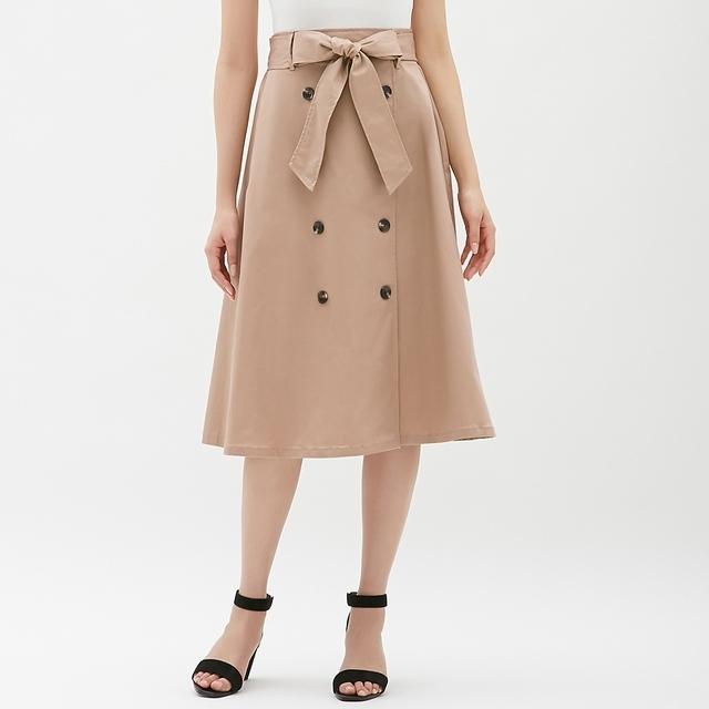 GUのトレンチフレアスカート