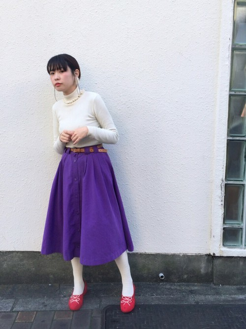 スカートとタイツのコーデ