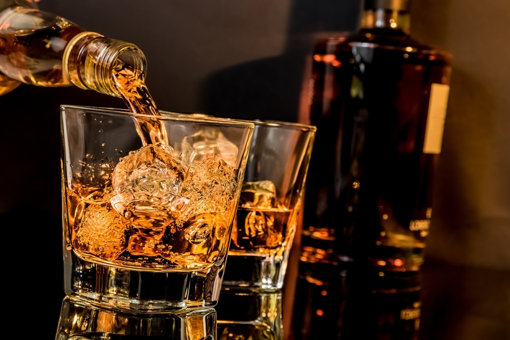 ウイスキーとグラス