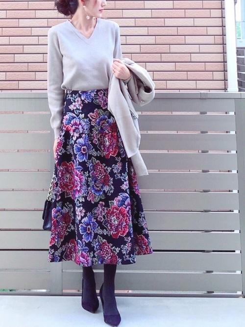 花柄スカート×パンプスコーデ