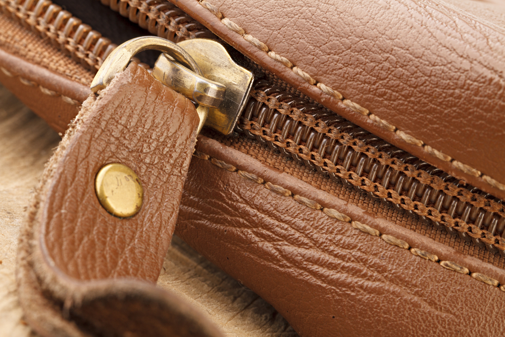 茶色の革鞄