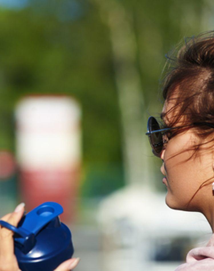おばさんにならない簡単まとめ髪!技あり簡単なひとつ結び