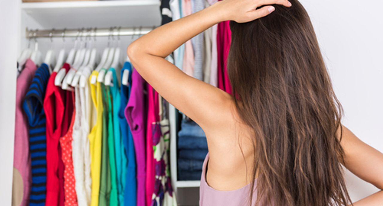 なかなか捨てられない…洋服処分のタイミングの見極め方