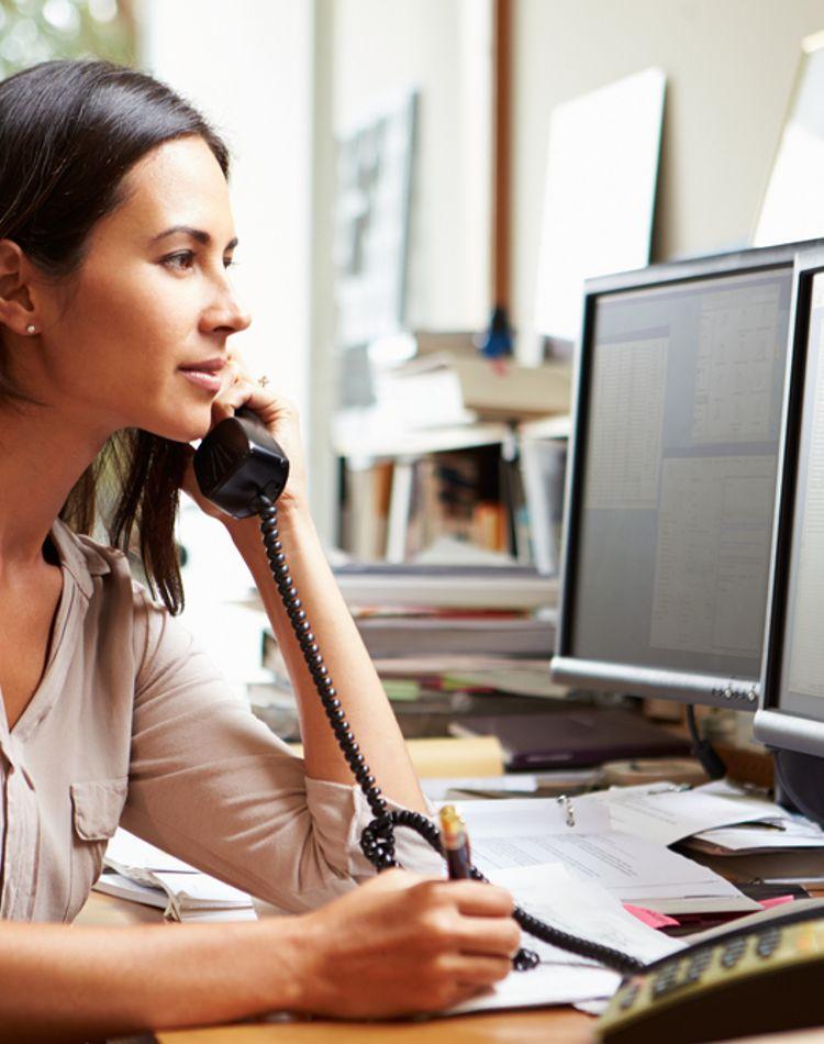 電話マナーの基本はOK?電話のかけ方や受け方、切り方とは