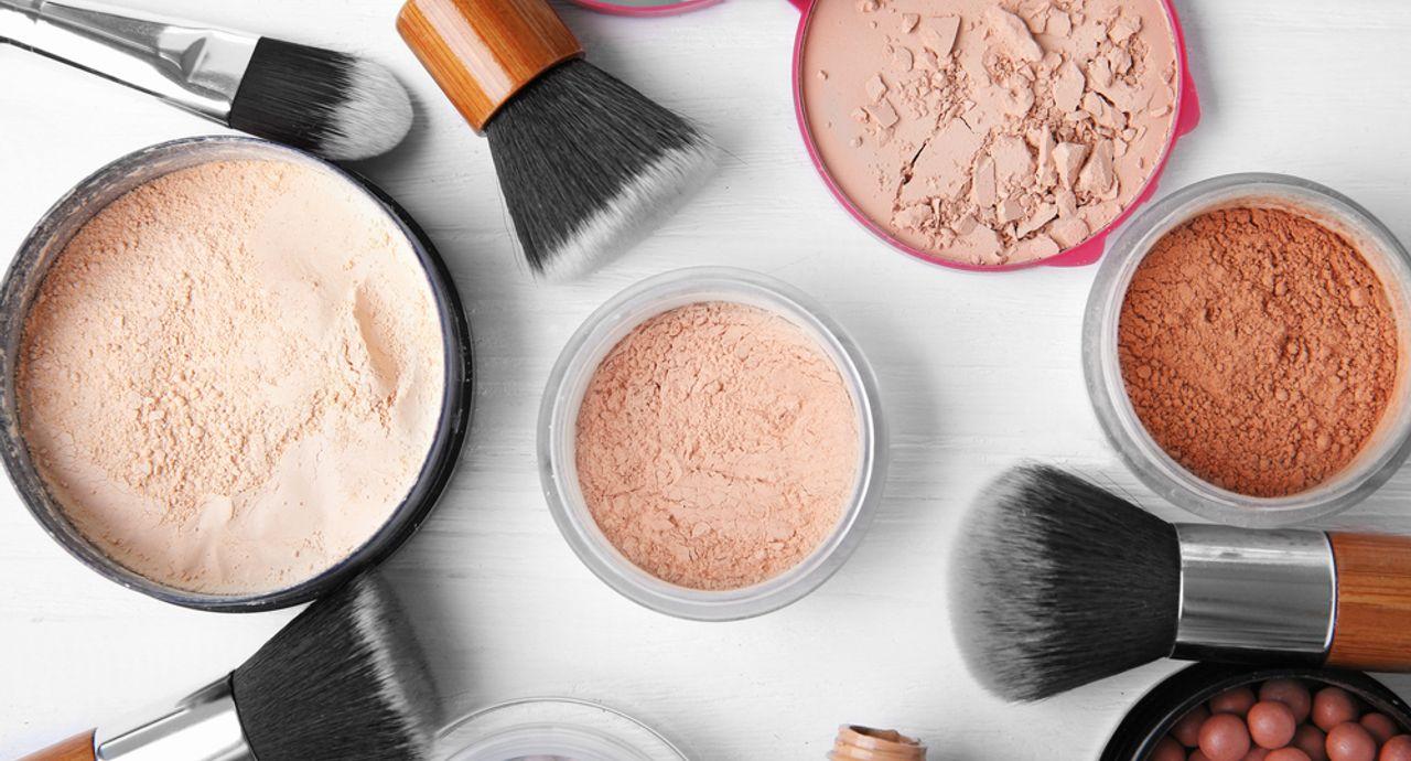 顔のテカリを予防するファンデーションとは?テカる原因や選び方