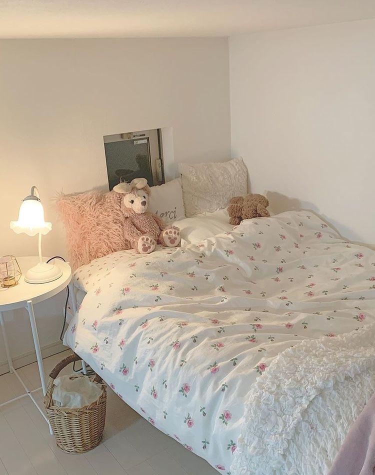 寝室のベッドやインテリアのレイアウトは?一人暮らしの実例をご紹介