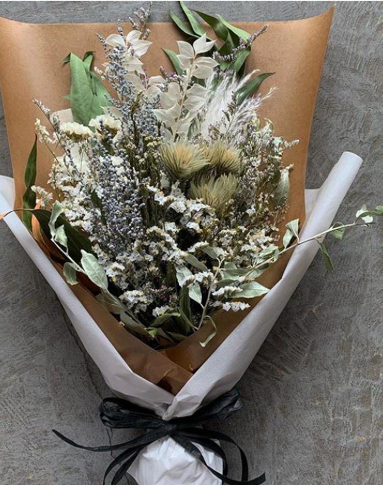 ドライフラワーに向いてるお花や簡単な作り方は?お花のある暮らしへ