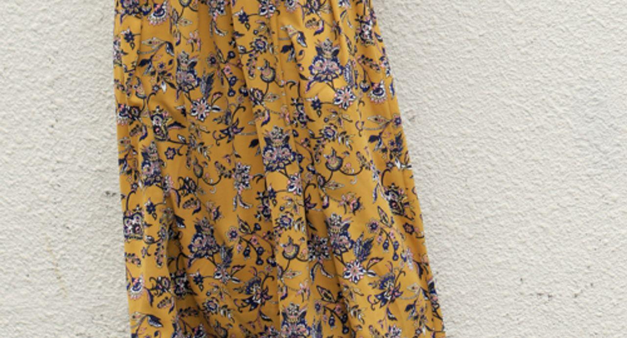 ペイズリースカートのおしゃれコーデ。季節別に着こなしをチェック