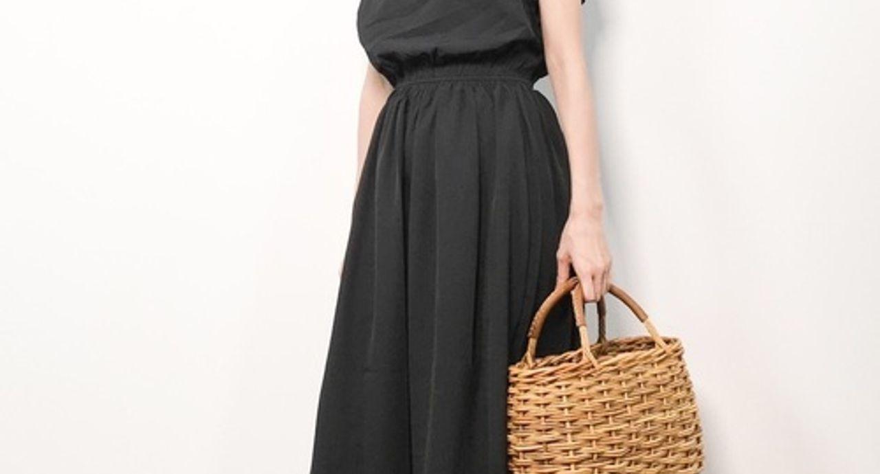 ひんやり涼しい服で夏を乗り切る!大人女子のおしゃれコーデ9選