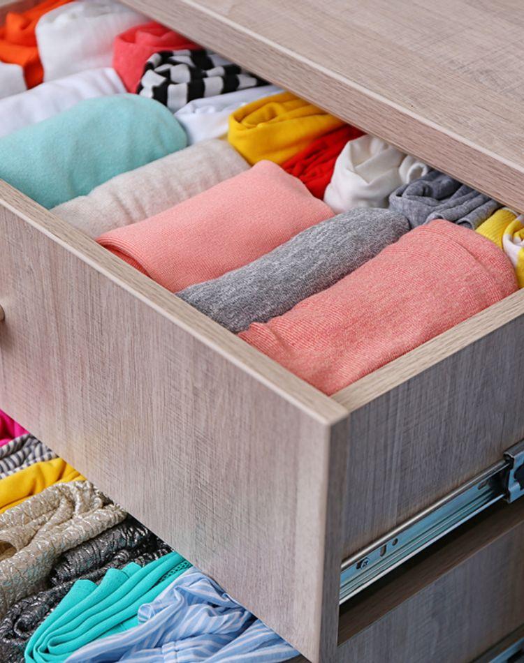 服を傷めずキレイに保管したい!シミや黄ばみ、臭いから守る保管方法