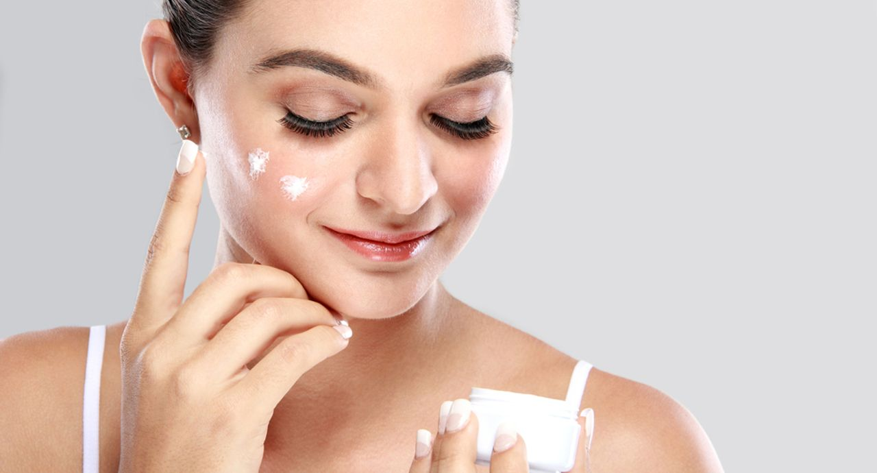 保湿の意味とは?正しいやり方や乾燥肌におすすめアイテムをご紹介
