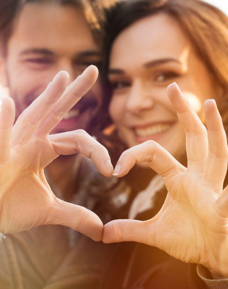 理想の夫婦の条件って?女性たちが憧れる夫婦生活やカップル像