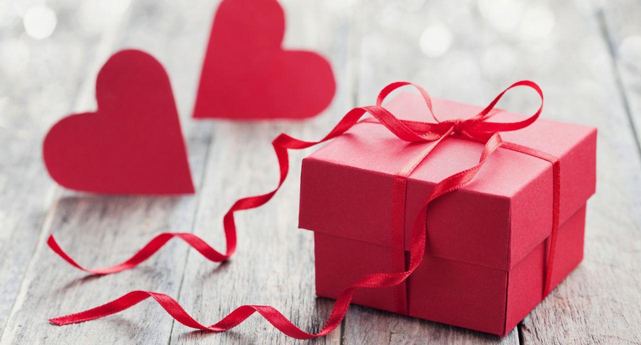 彼氏が喜ぶバレンタインのプレゼントって?上手な渡し方もご提案