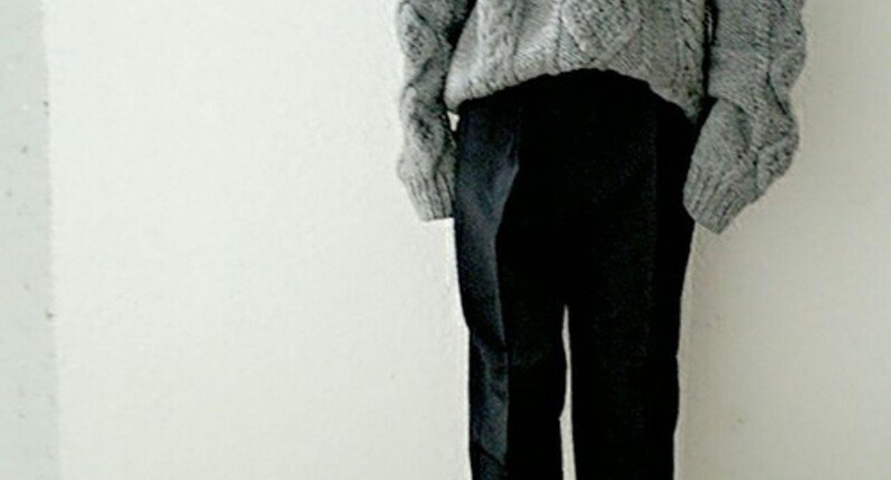 セーターのコーデ集。季節別、カラー別でおすすめの着こなしをご紹介