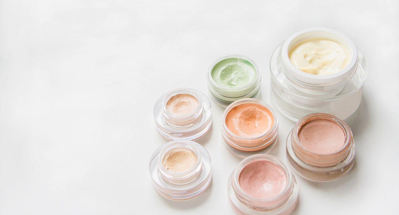 コンシーラーの色の選び方とは?色味の使い分け方法や効果を紹介