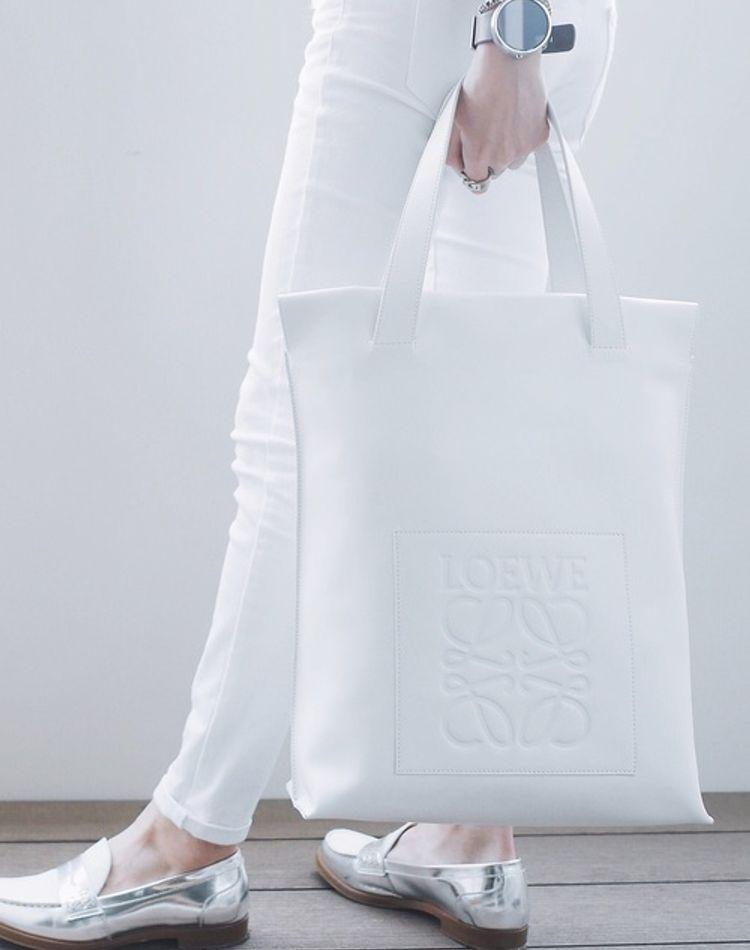 白バッグを使ったレディースコーデ!春夏だけじゃなく秋冬も活用