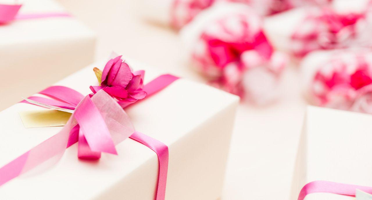 ゲストが喜ぶ結婚式の引き出物は?選び方やおすすめの引き出物とは