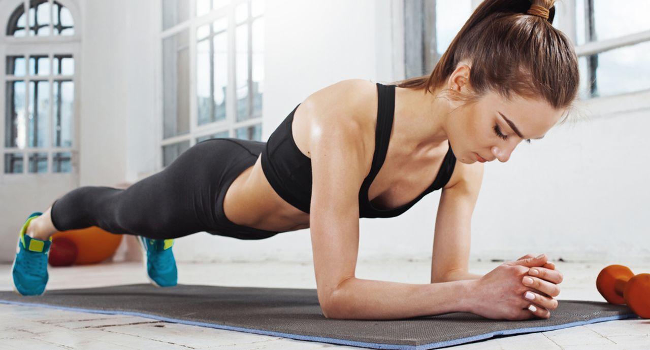 背筋トレーニングで後ろ姿を美しく!鍛えるメリットややり方をご紹介