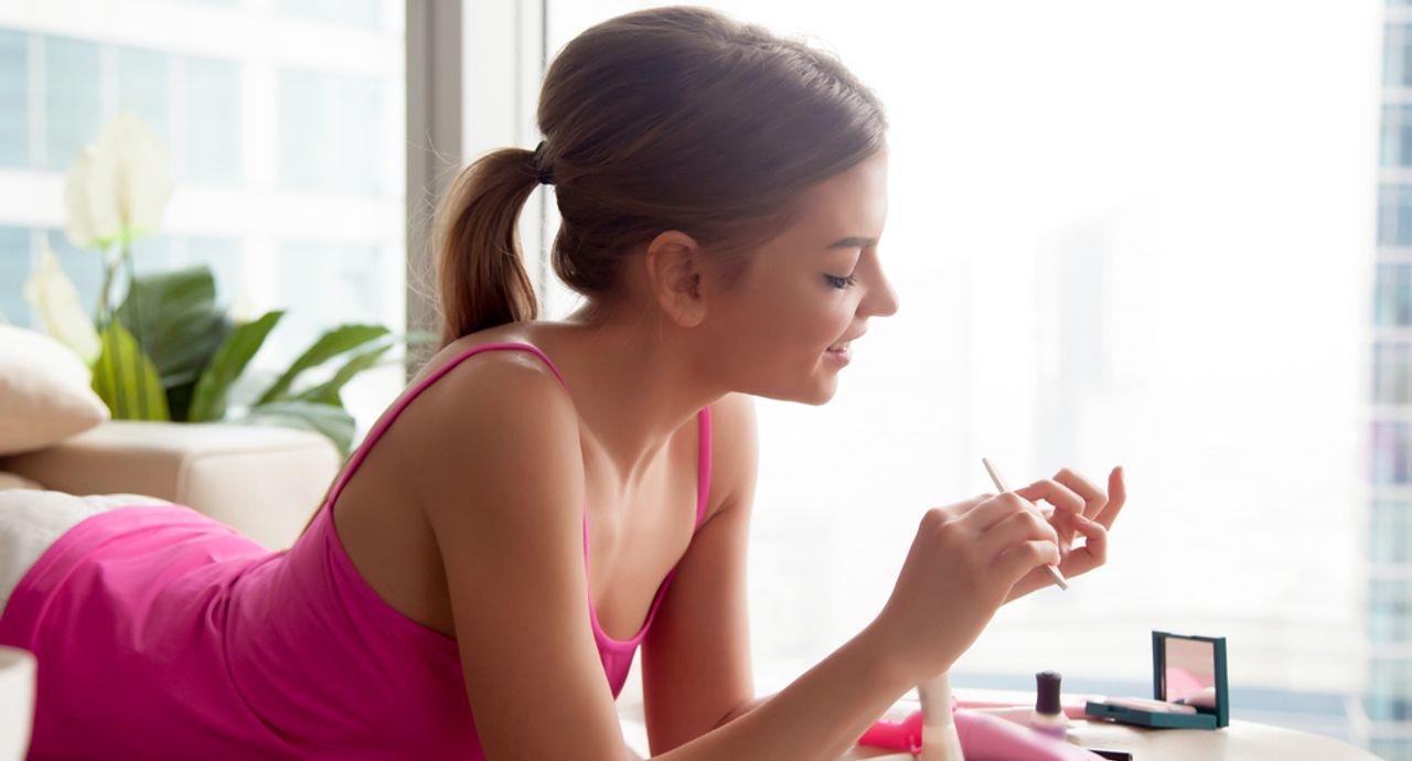 100均の爪磨きでセルフネイルケア!美爪をキープする人気アイテム