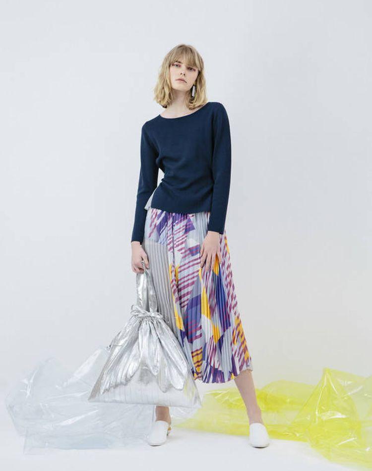 ミモレ丈のコーデ集。タイトスカート、パンツ、ワンピース…アイテム別の着こなしは?