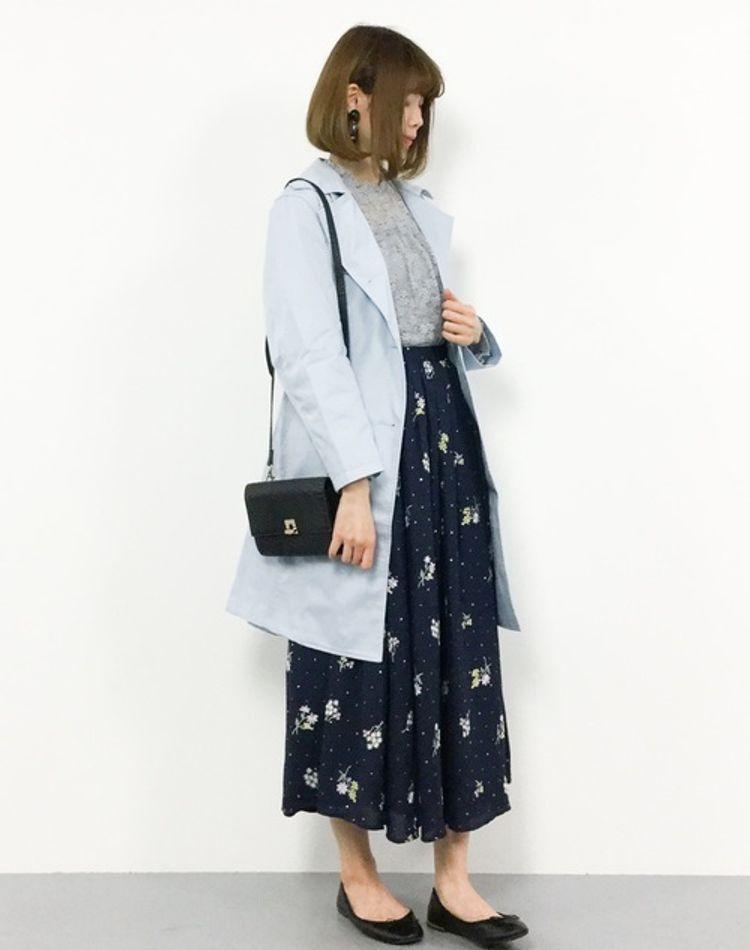 大人の刺繍スカートコーデ。チュールやデニムなどおすすめの着こなし