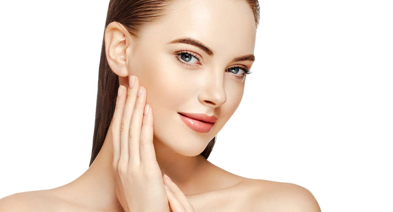 赤ら顔の特徴とは?原因や化粧をする上での注意点をご紹介