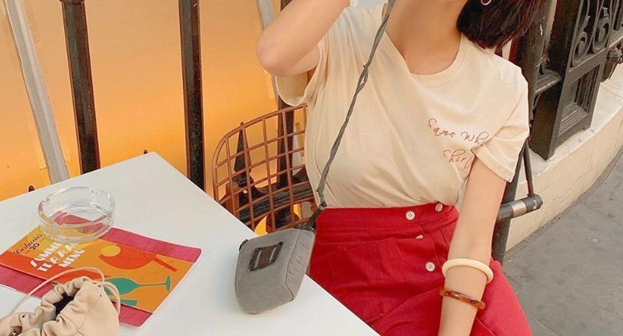 フロントボタンタイトスカートが流行中!おすすめのコーデ10選