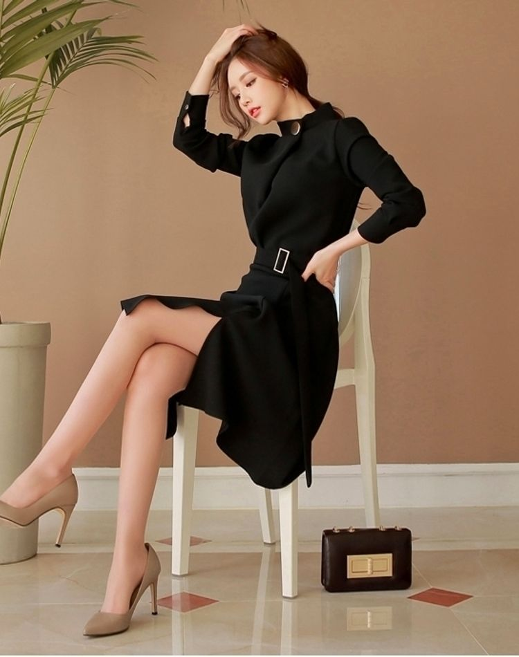 スナックで働く女性の服装は?年代別におすすめコーデをご紹介!