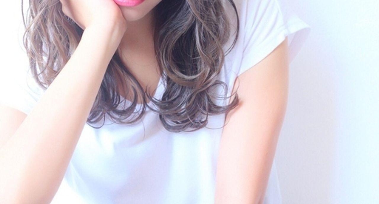 ぱっつん前髪の切り方やアレンジ。大人女子に似合うスタイル18選