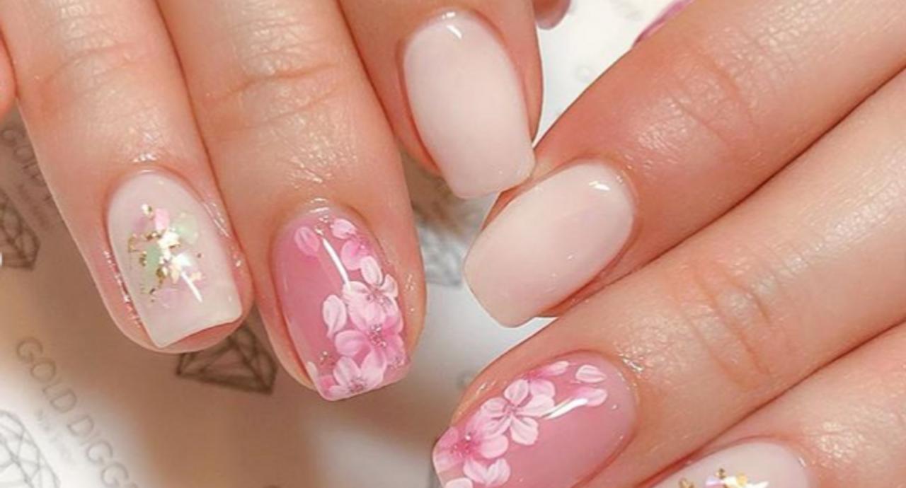 桜ネイルのおすすめデザイン集!春らしさを指先から楽しもう