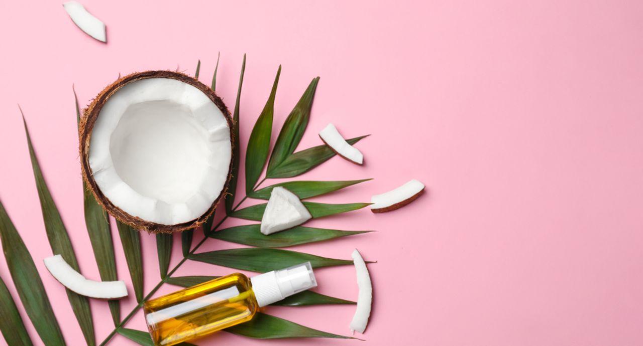 ココナッツオイルって肌にいいの?選び方や使い方の注意点について