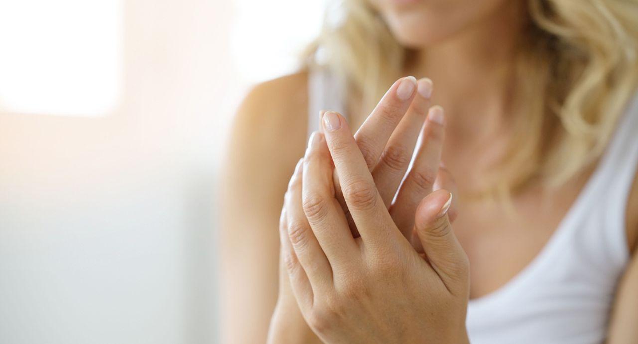 ひどい手汗の原因や対策が知りたい!手汗レベルで見る対策方法7つ