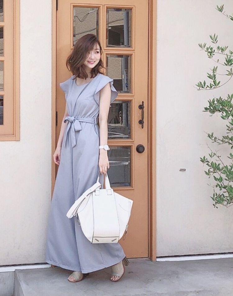 ダスティカラーのファッションが流行中!特徴やおすすめコーデ9選