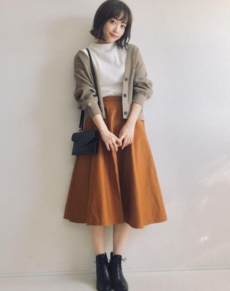 ユニクロのスカートが使える!人気アイテムで作るコーデ9選
