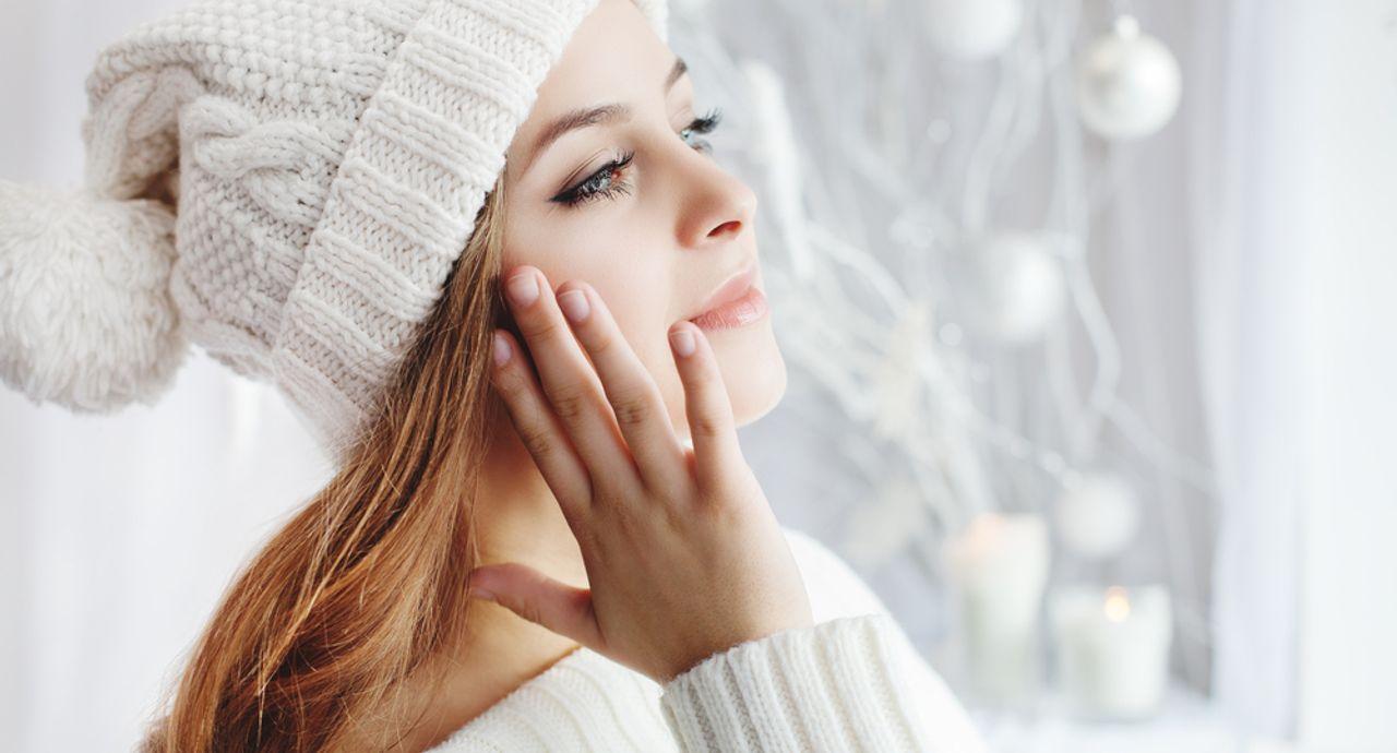 冬に起こる肌荒れの原因とは?対処法や荒れない肌を作る方法