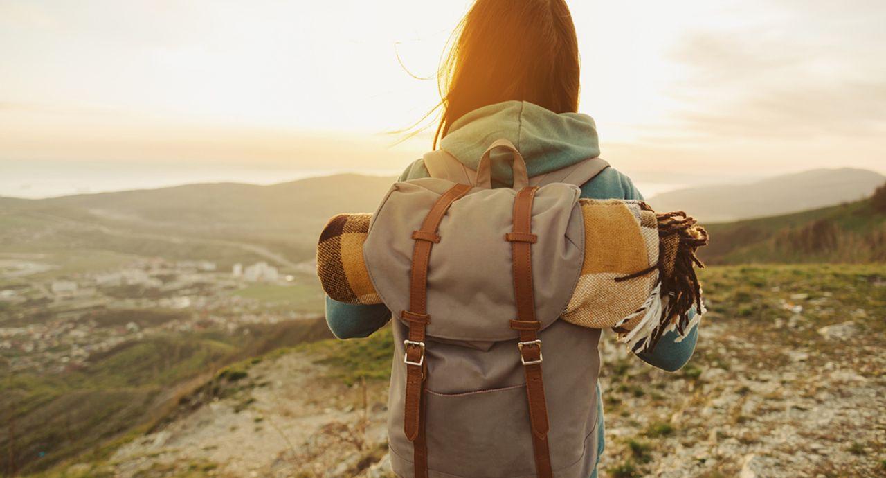 海外旅行にはリュックが便利!?メリットやデメリット、選び方も