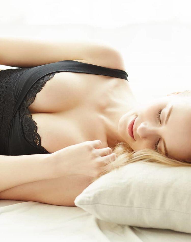 寝る時ブラはつけた方がいい?ナイトブラのメリットやおすすめ商品