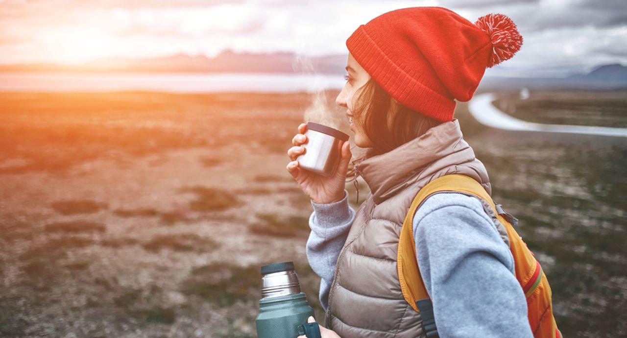 アイスランドで氷河やオーロラ観測時の服装は?季節の気候や持ち物も