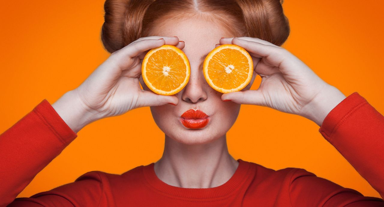 オレンジリップが似合う人って?メイクのやり方やおすすめ商品を紹介